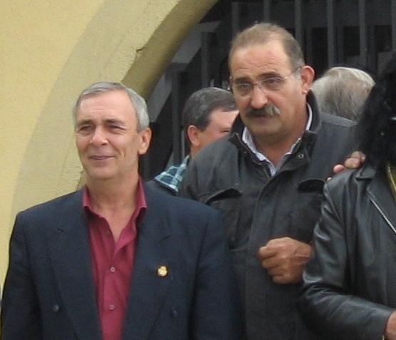 Daniel Álvarez, detrás del ex alcalde Julio Anta / Foto cedida a Bembibre Digital