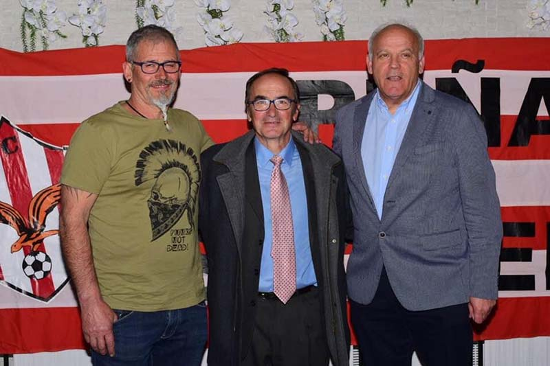 Durante la entrega del premio de la Peña Socuello a la trayectoria deportiva